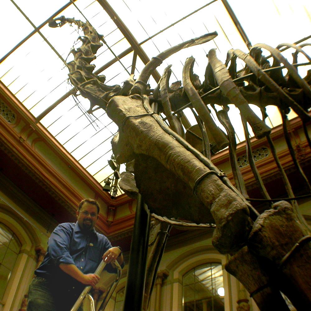 matt-with-brachiosaurus