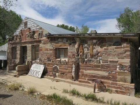 2 - Hanksville rock shop