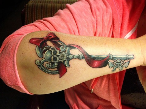 Vicki skeleton key tattoo - 1200