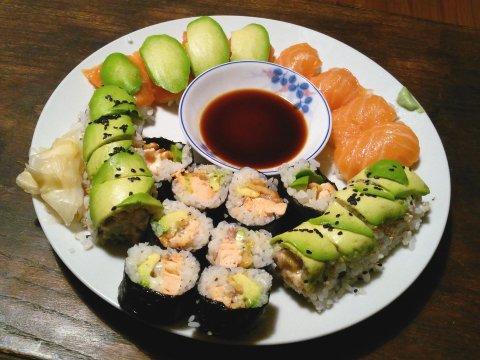 2016-03-28 20.59.36--sushi